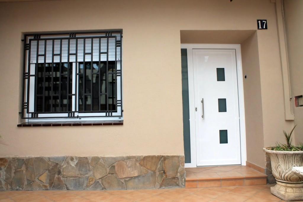 Cecal 2009 puerta de entrada serie moderna - Puertas de aluminio para entrada principal ...