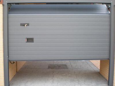 Producción-de-puertas-seccionales-de-Madrid