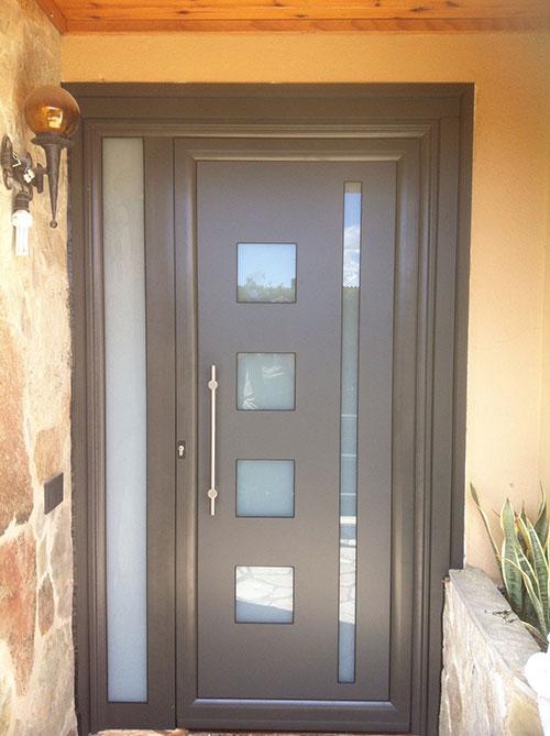 Cecal 2009 puerta de entrada serie moderna for Puertas aluminio leroy merlin