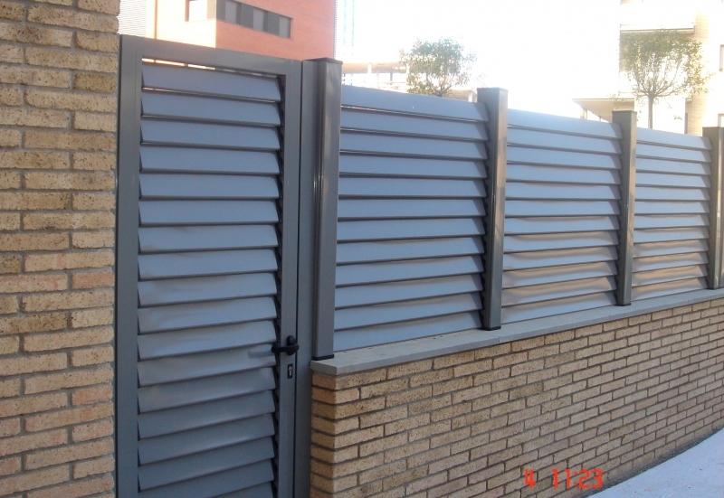 Lamas de aluminio para puertas gallery of puertas de - Puerta de lamas ...
